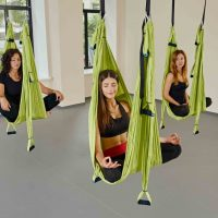 yoga-aerien-boomerang